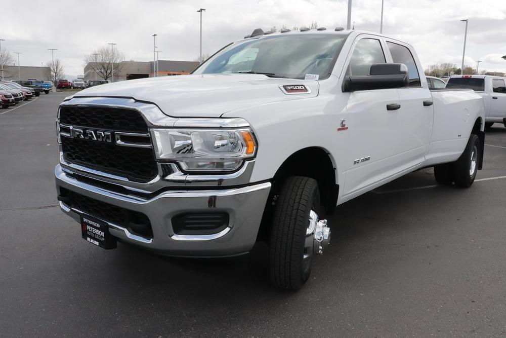 2021 Ram 3500 Crew Cab DRW 4x4, Pickup #621316 - photo 4
