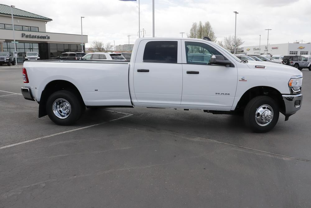 2021 Ram 3500 Crew Cab DRW 4x4, Pickup #621316 - photo 8