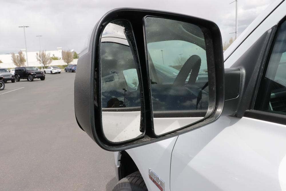 2021 Ram 1500 Crew Cab 4x4, Pickup #621318 - photo 11