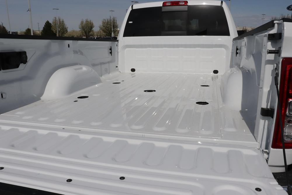 2021 Ram 3500 Crew Cab 4x4, Pickup #621321 - photo 13