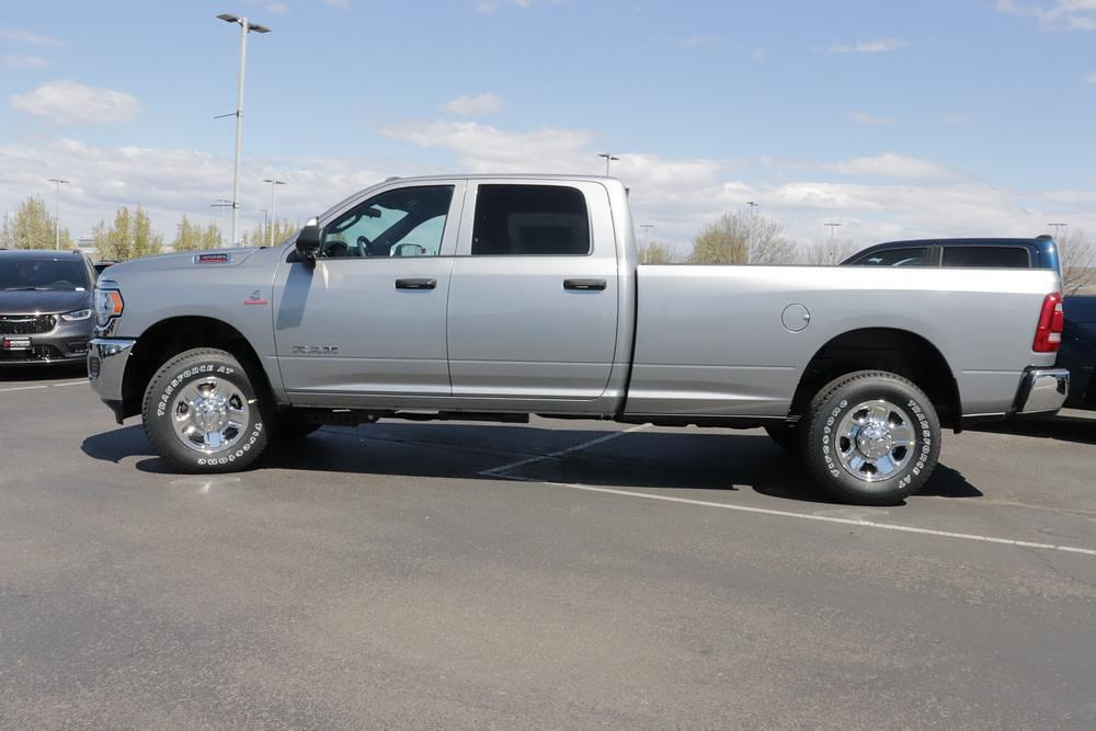 2021 Ram 3500 Crew Cab 4x4, Pickup #621360 - photo 5