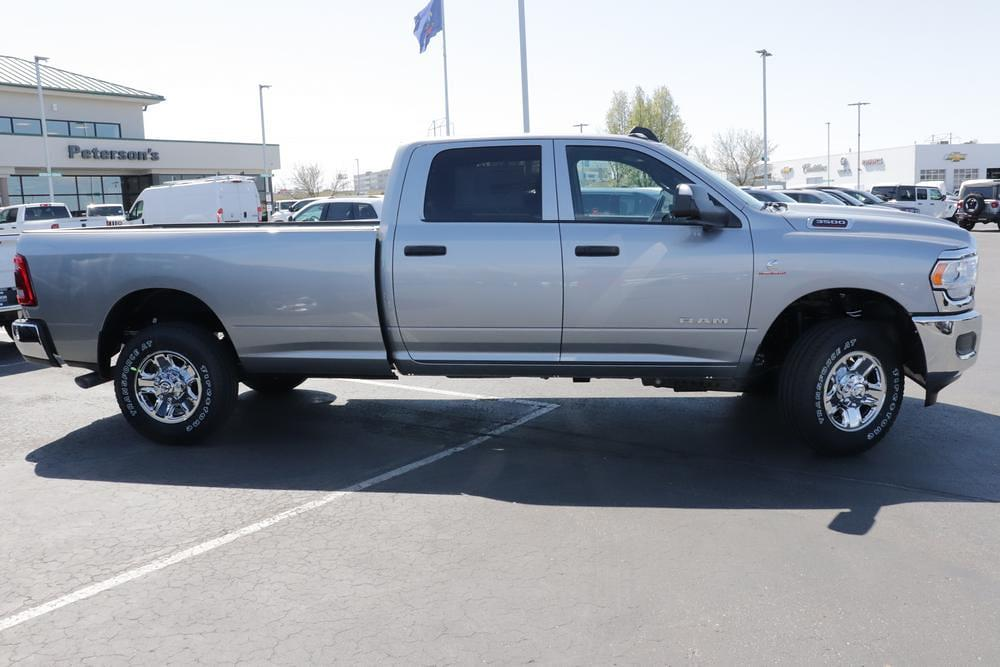 2021 Ram 3500 Crew Cab 4x4, Pickup #621360 - photo 8