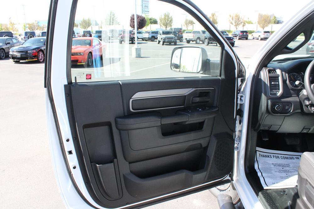 2021 Ram 3500 Regular Cab DRW 4x4, Knapheide PGNB Gooseneck Platform Body #621427 - photo 12