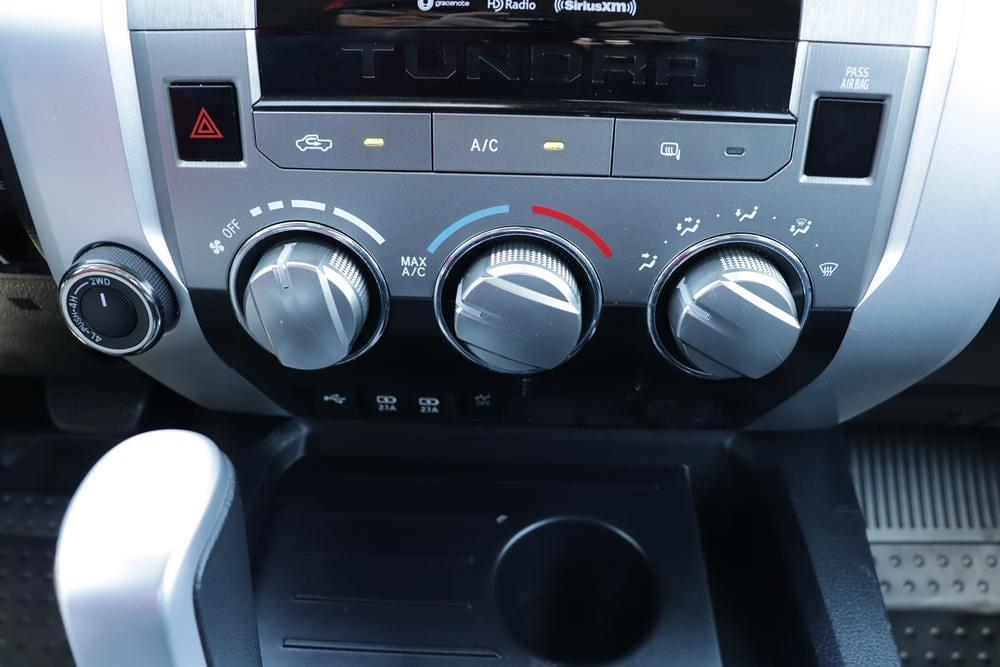 2020 Toyota Tundra 4x4, Pickup #621459A - photo 24