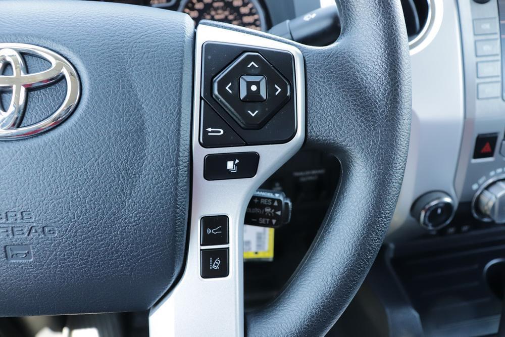 2020 Toyota Tundra 4x4, Pickup #621459A - photo 29