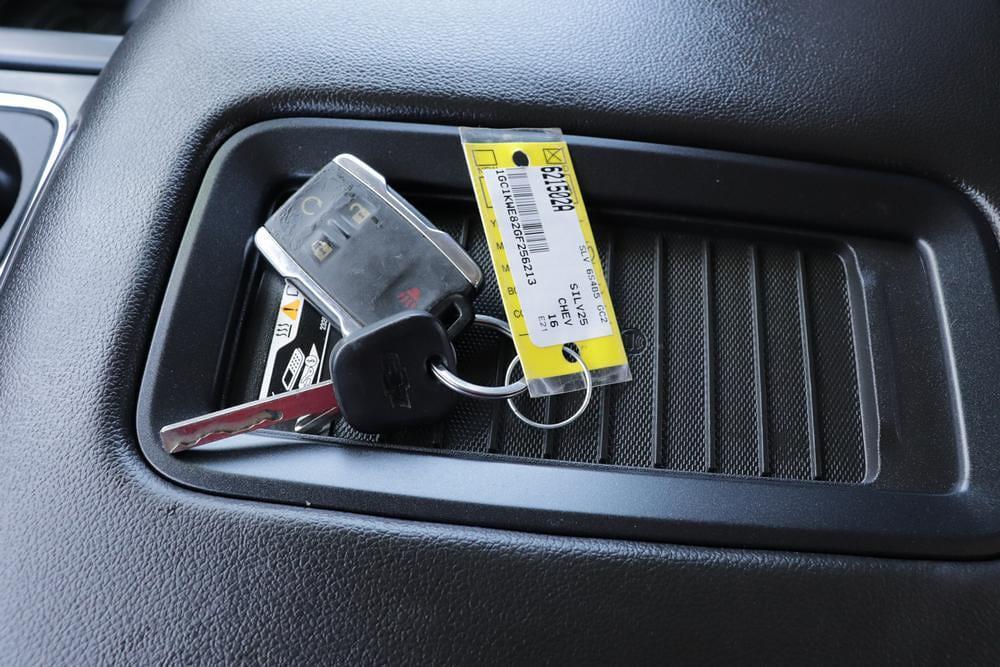 2016 Chevrolet Silverado 2500 Crew Cab 4x4, Pickup #621502A - photo 25
