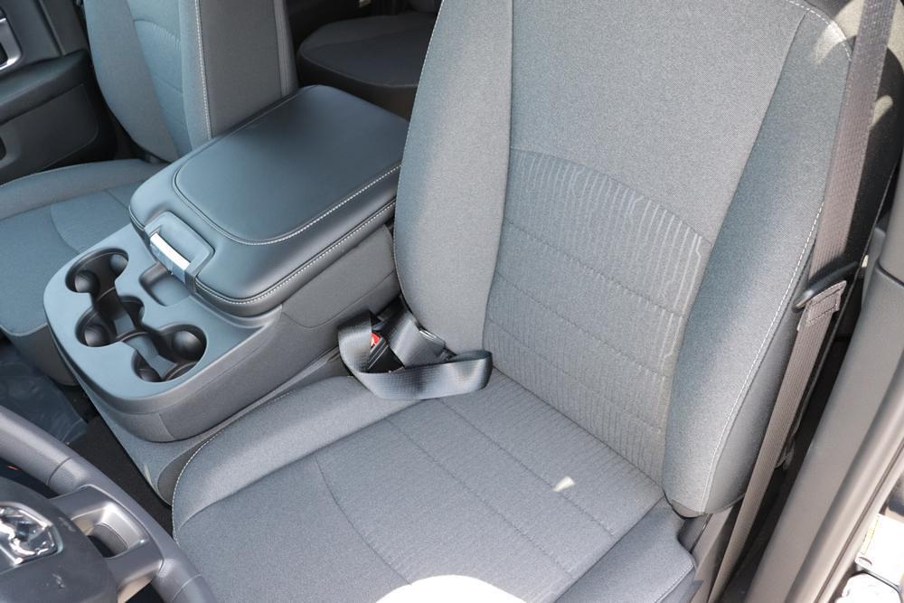 2021 Ram 1500 Classic Quad Cab 4x4, Pickup #621574 - photo 19