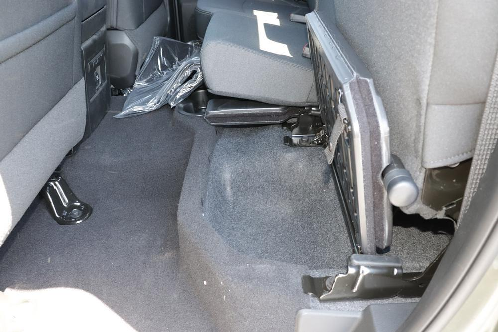 2021 Ram 1500 Quad Cab 4x4, Pickup #621584 - photo 16