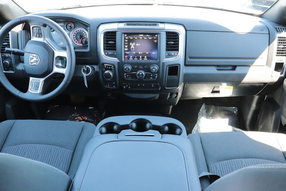 2021 Ram 1500 Classic Crew Cab 4x4, Pickup #621591 - photo 17