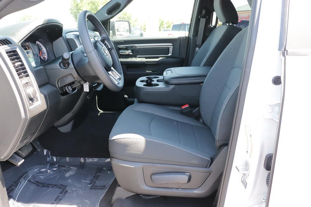 2021 Ram 1500 Classic Quad Cab 4x4, Pickup #621601 - photo 18