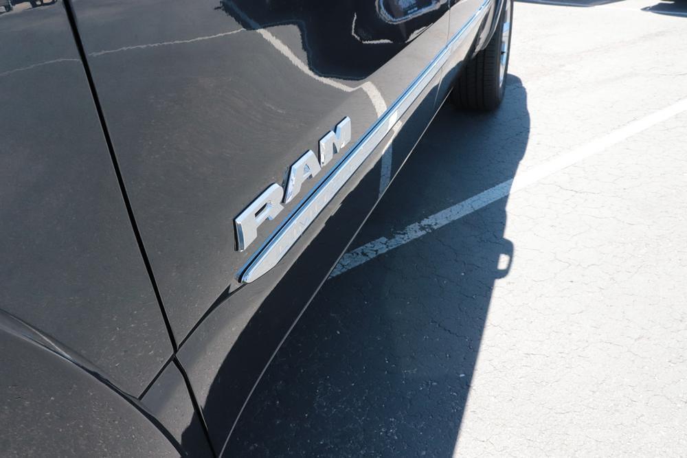2021 Ram 1500 Crew Cab 4x4, Pickup #621631 - photo 15