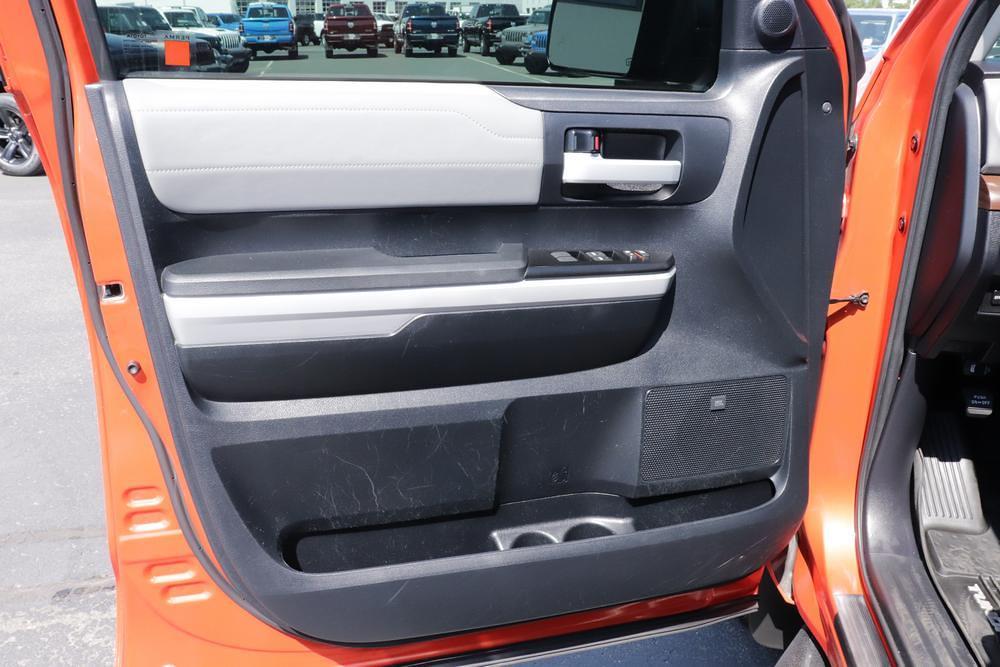 2018 Toyota Tundra Crew Cab 4x4, Pickup #621638A - photo 18