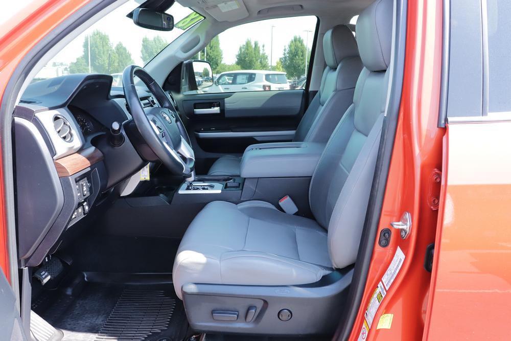 2018 Toyota Tundra Crew Cab 4x4, Pickup #621638A - photo 20