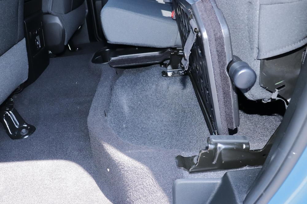 2021 Ram 1500 Classic Quad Cab 4x4, Pickup #621714 - photo 16