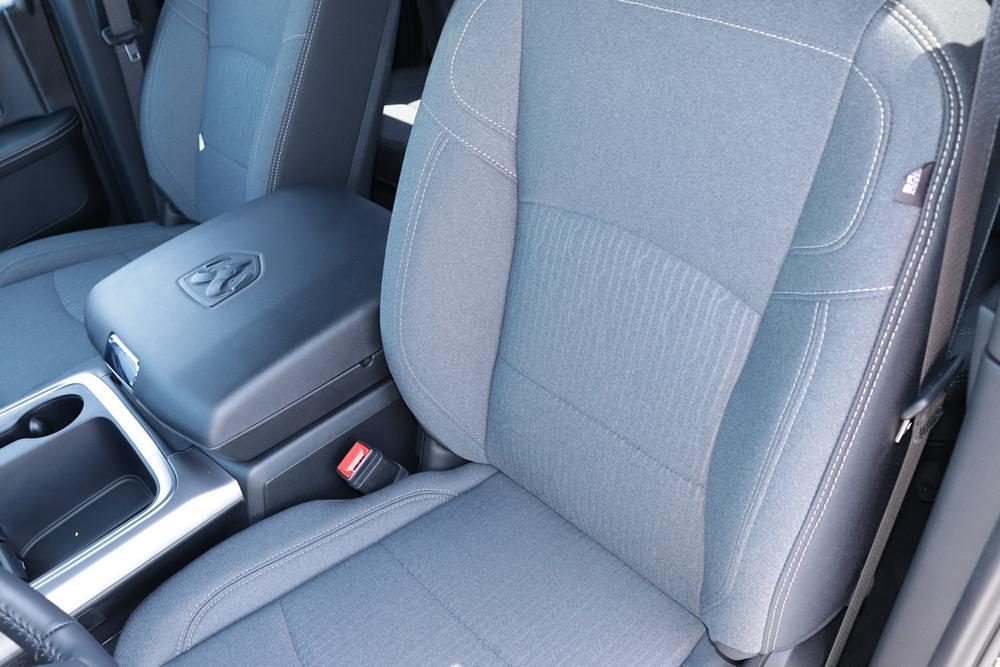 2021 Ram 1500 Classic Quad Cab 4x4, Pickup #621716 - photo 22