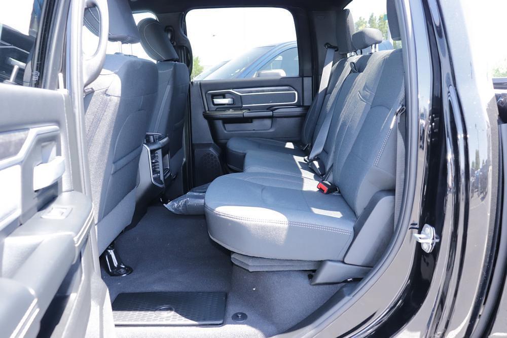 2021 Ram 3500 Crew Cab 4x4, Pickup #621723 - photo 15