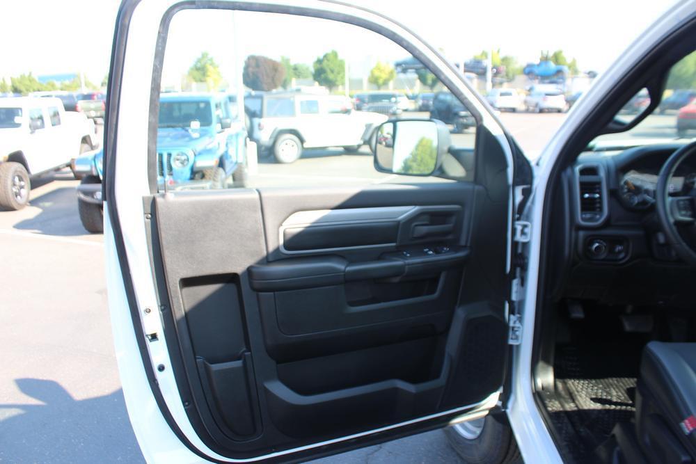 2021 Ram 5500 Regular Cab DRW 4x4, Knapheide PGNB Gooseneck Platform Body #621741 - photo 14