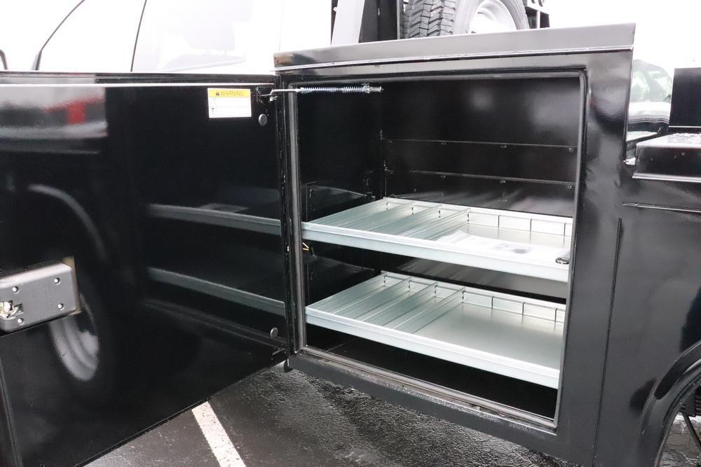 2019 Ram 5500 Crew Cab DRW 4x4, Knapheide PGND Gooseneck Platform Body #690010 - photo 14