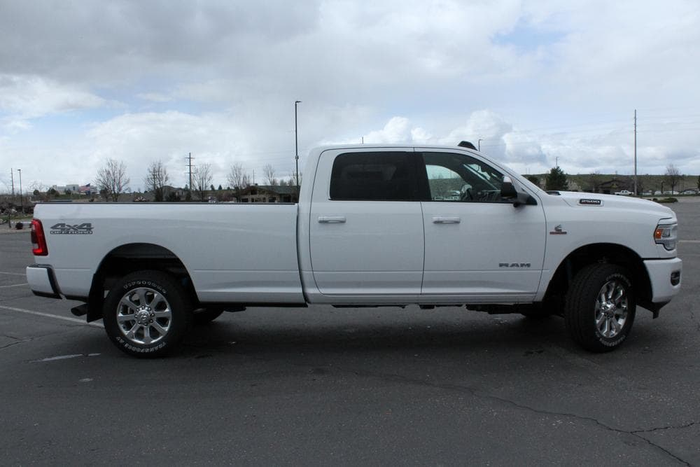2019 Ram 2500 Crew Cab 4x4, Pickup #69393 - photo 8