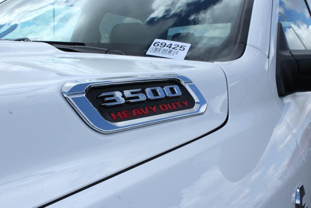 2019 Ram 3500 Crew Cab DRW 4x4,  Cab Chassis #69425 - photo 13