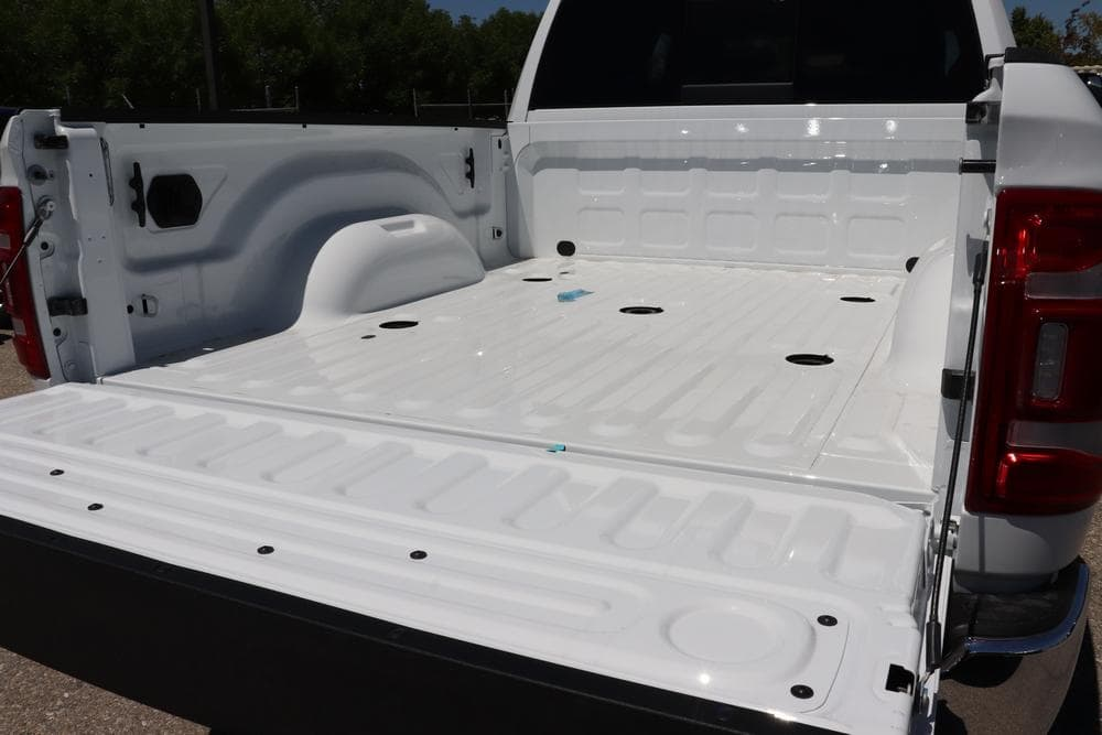 2019 Ram 3500 Crew Cab 4x4, Pickup #69487 - photo 15
