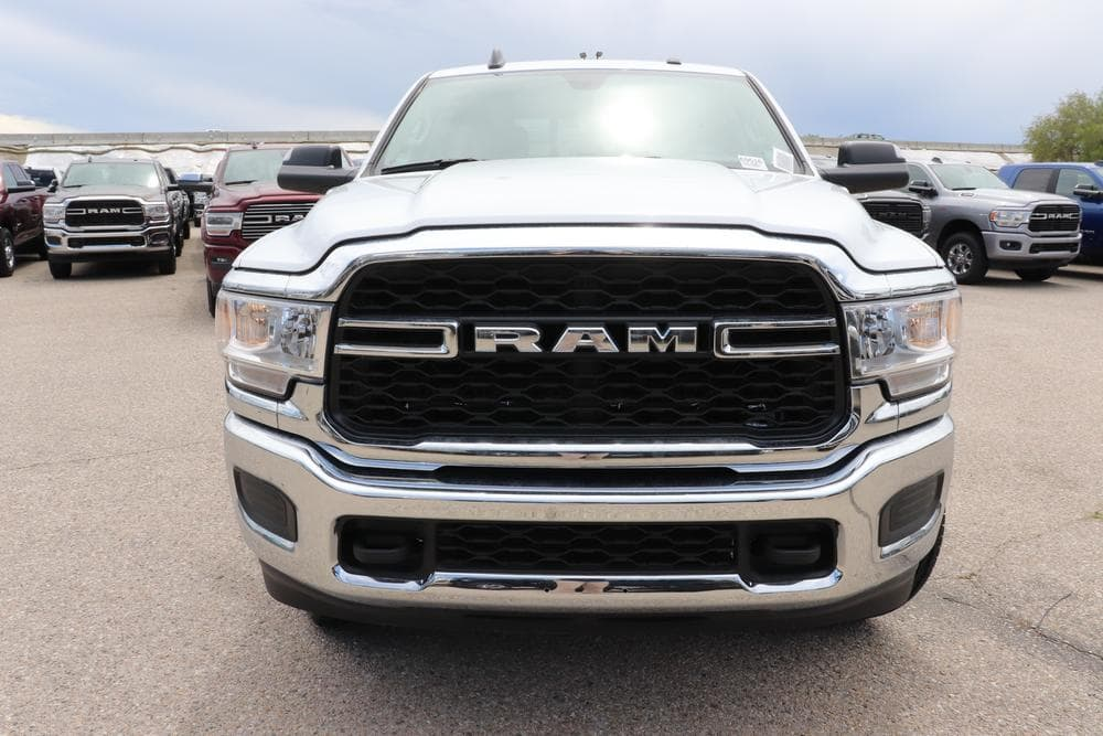 2019 Ram 3500 Crew Cab 4x4, Pickup #69516 - photo 3