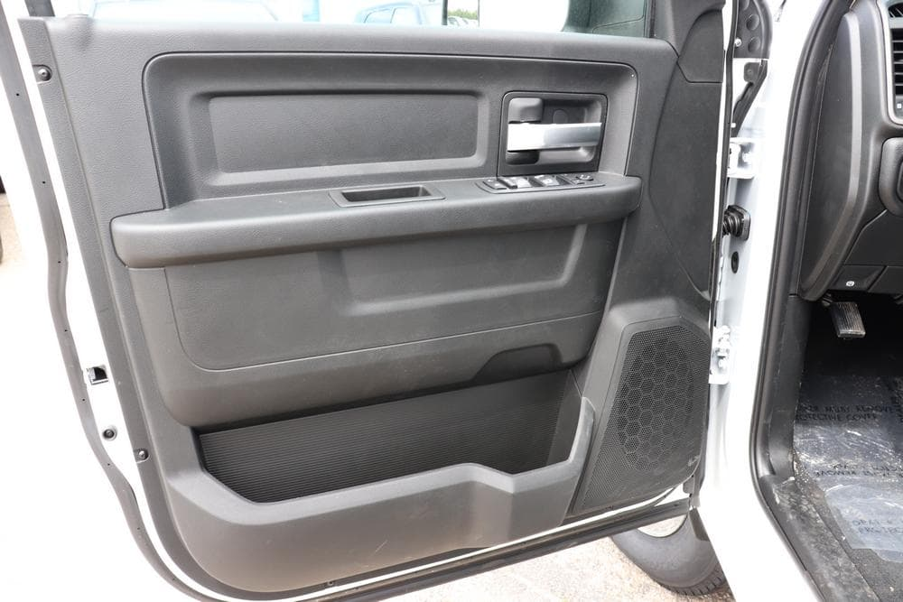 2019 Ram 3500 Crew Cab 4x4, Pickup #69516 - photo 24