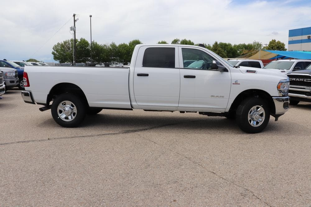 2019 Ram 3500 Crew Cab 4x4, Pickup #69516 - photo 8