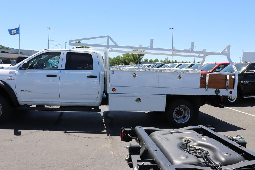2019 Ram 5500 Crew Cab DRW 4x4,  Royal Contractor Body #69522 - photo 5