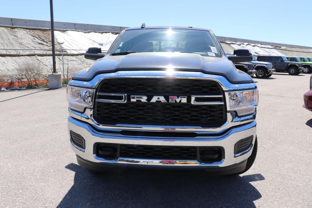2019 Ram 3500 Crew Cab 4x4, Pickup #69527 - photo 3