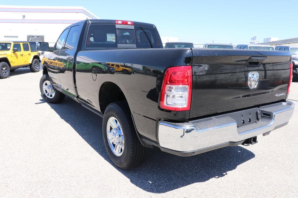 2019 Ram 3500 Crew Cab 4x4, Pickup #69527 - photo 6