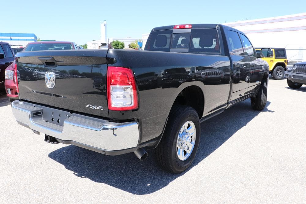 2019 Ram 3500 Crew Cab 4x4, Pickup #69527 - photo 2