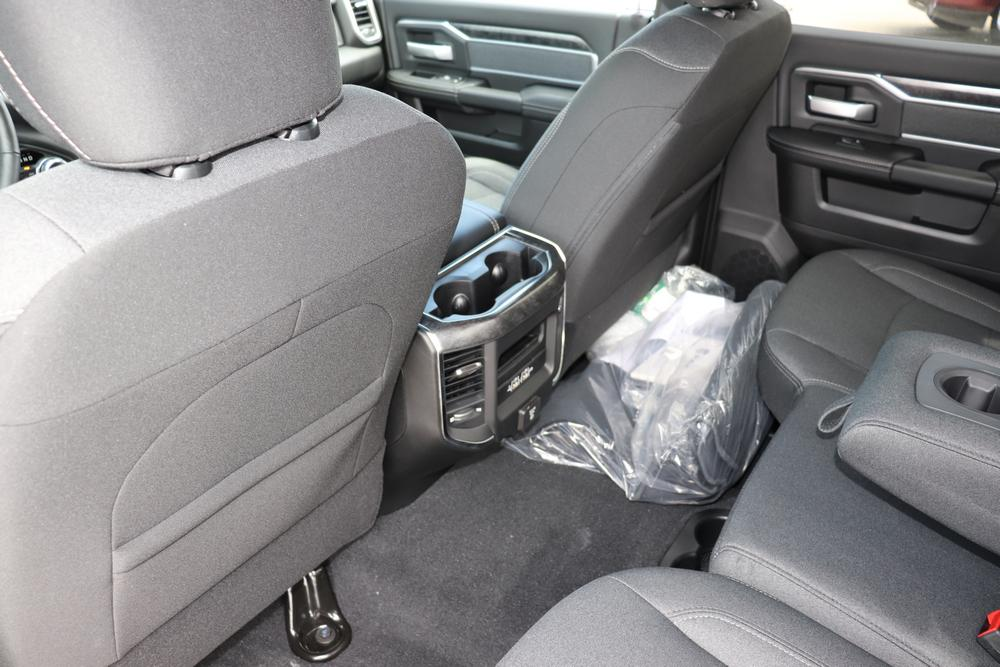 2019 Ram 3500 Crew Cab 4x4, Pickup #69558 - photo 25