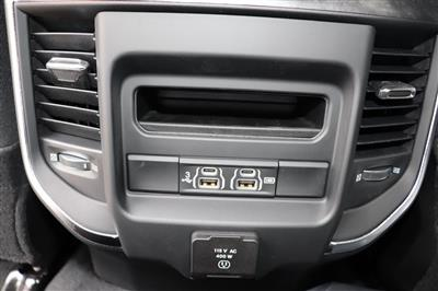 2019 Ram 3500 Crew Cab 4x4, Pickup #69558 - photo 26