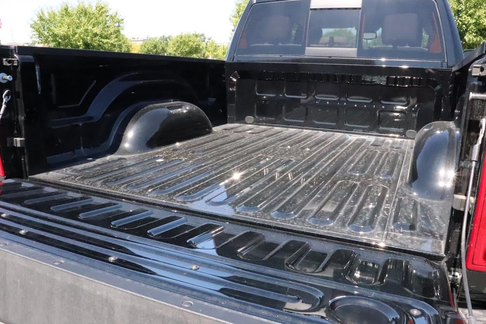 2019 Ram 3500 Crew Cab 4x4, Pickup #69590 - photo 15