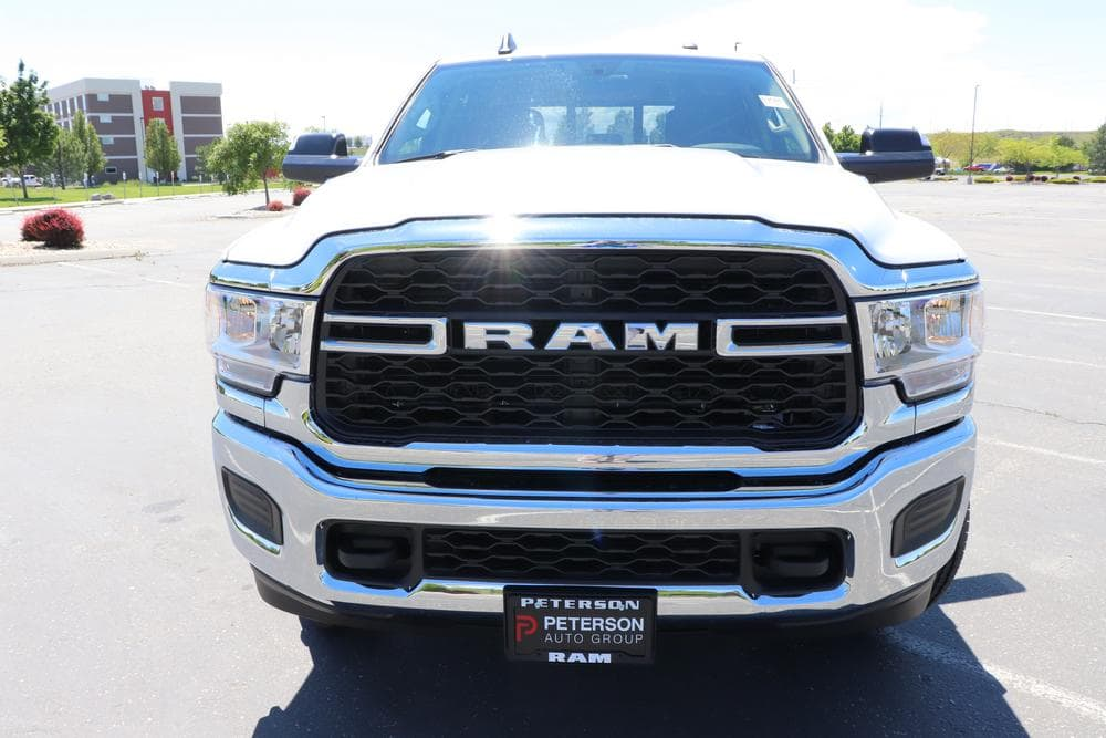 2019 Ram 3500 Crew Cab 4x4, Pickup #69616 - photo 3