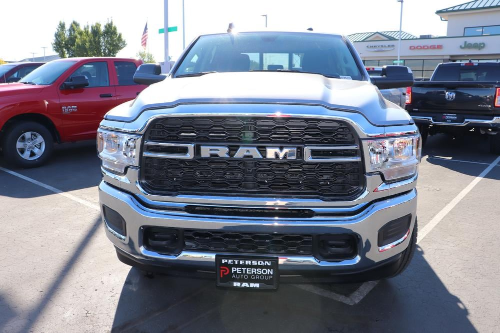 2019 Ram 3500 Crew Cab 4x4, Pickup #69619 - photo 3