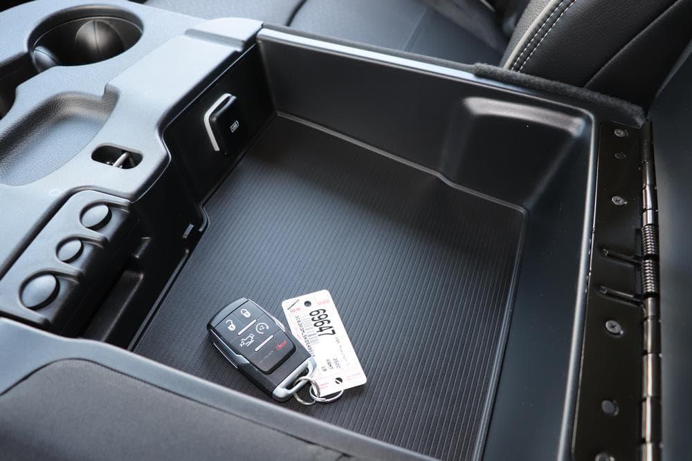 2019 Ram 3500 Mega Cab 4x4, Pickup #69647 - photo 33