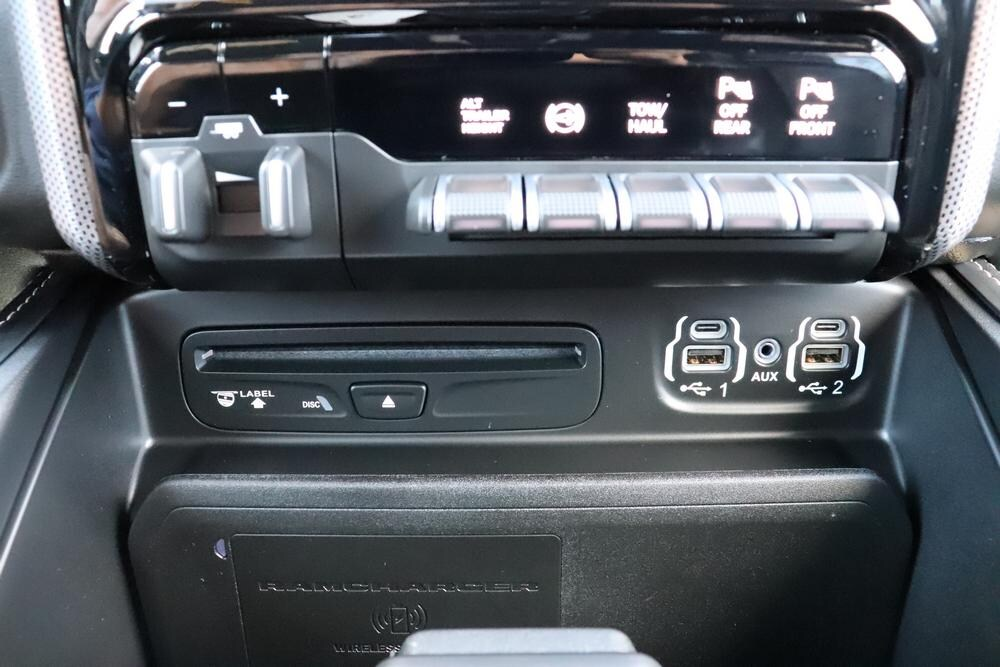 2019 Ram 3500 Mega Cab 4x4, Pickup #69866 - photo 32
