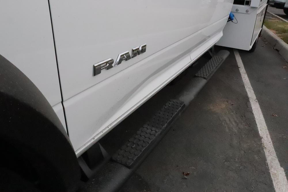2019 Ram 5500 Crew Cab DRW 4x4, Royal Contractor Body #69956 - photo 9
