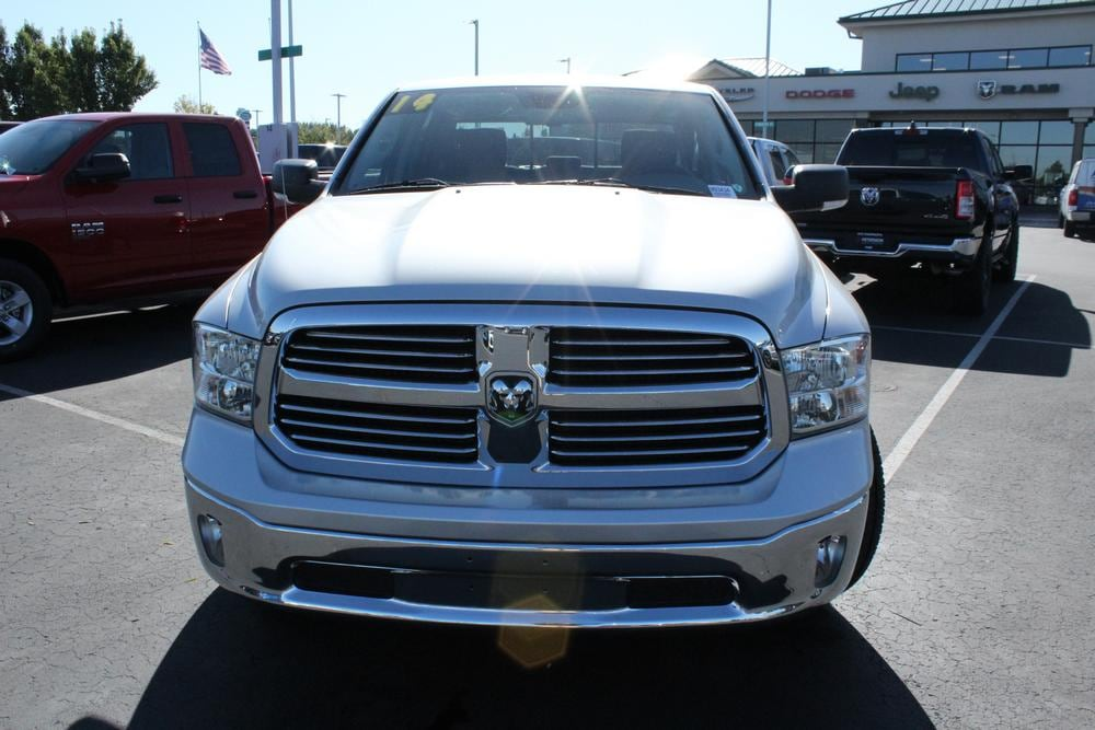 2014 Ram 1500 Crew Cab 4x2,  Pickup #993434 - photo 3
