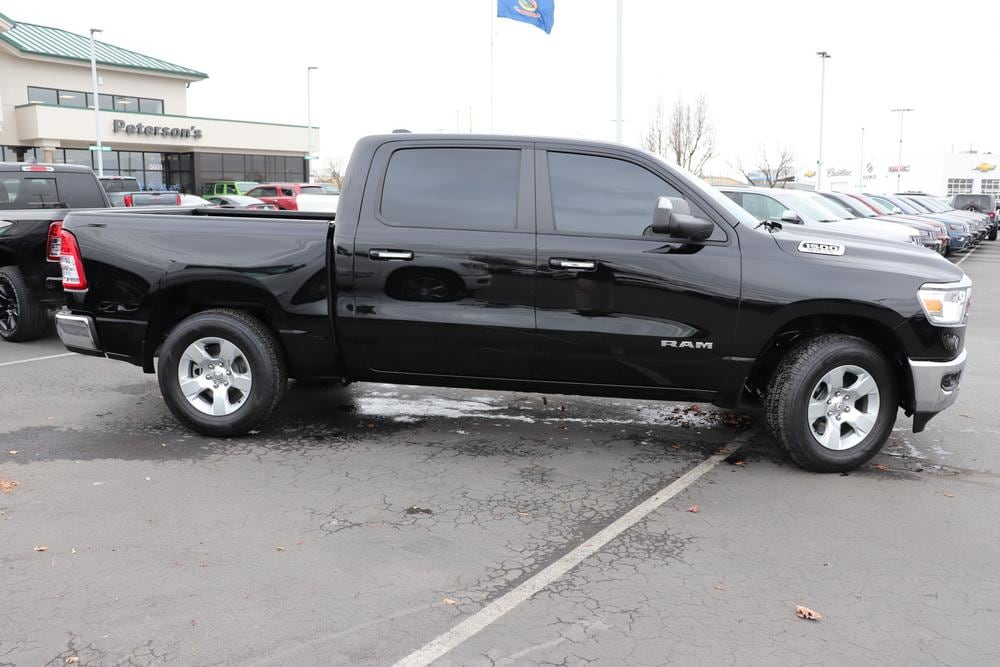 2019 Ram 1500 Crew Cab 4x4, Pickup #993465 - photo 8