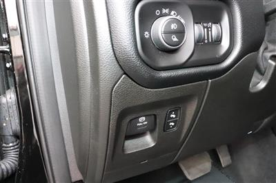 2019 Ram 1500 Crew Cab 4x4, Pickup #993465 - photo 22