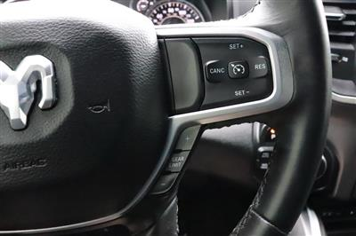 2019 Ram 1500 Crew Cab 4x4, Pickup #993465 - photo 32