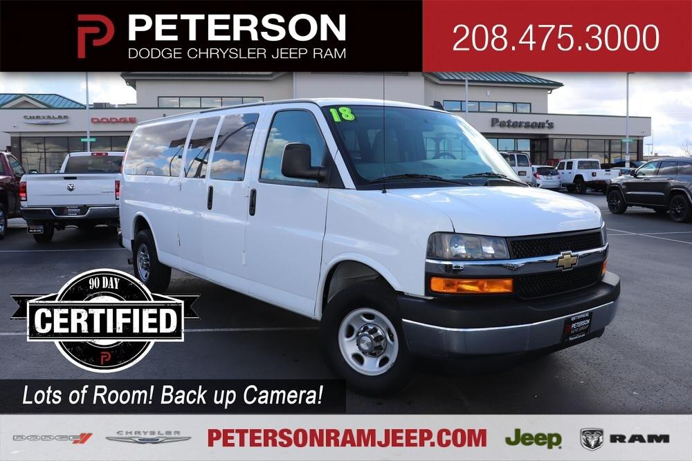 2018 Chevrolet Express 3500 4x2, Passenger Wagon #993480 - photo 1
