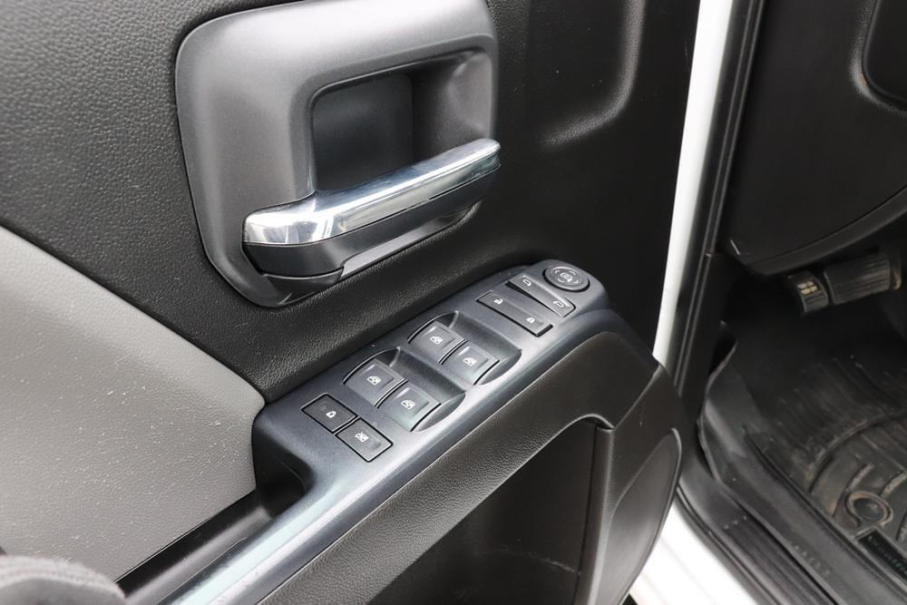 2019 Chevrolet Silverado 3500 Crew Cab 4x4, Pickup #993750 - photo 19