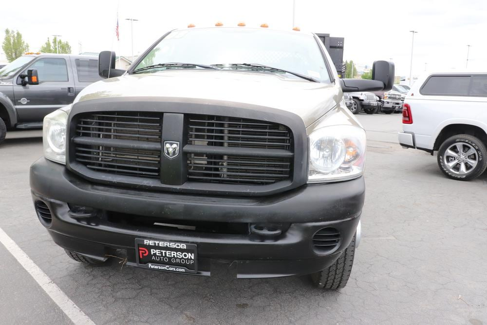 2008 Ram 3500 Quad Cab DRW 4x4, Stake Bed #9C93581A - photo 3