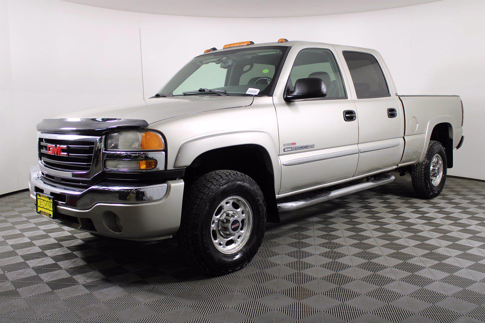 2005 GMC Sierra 2500 Crew Cab 4x4, Pickup #D110258C - photo 1