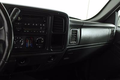 2005 GMC Sierra 2500 Crew Cab 4x4, Pickup #D110258C - photo 10