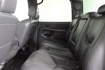 2005 GMC Sierra 2500 Crew Cab 4x4, Pickup #D110258C - photo 12